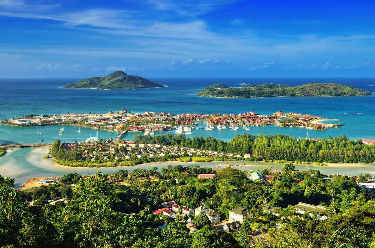 Столица Виктория находится на самом крупном острове Маэ