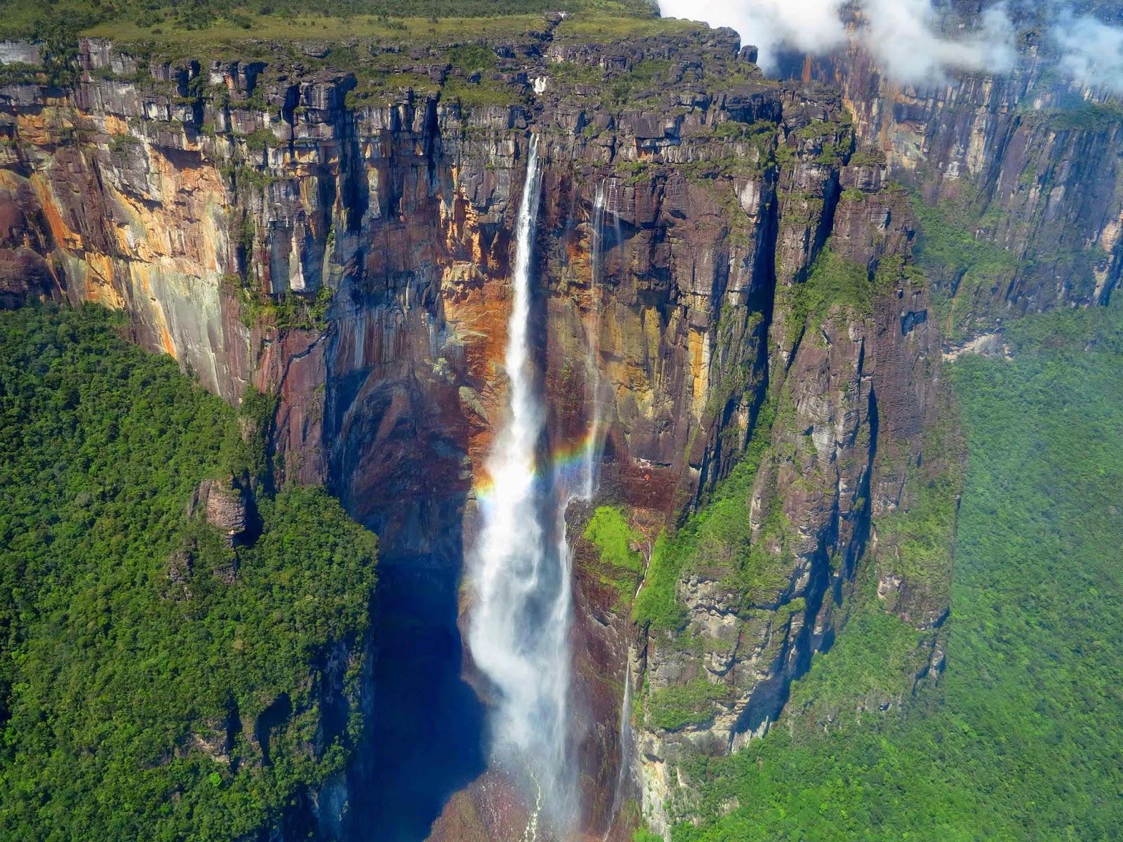 Посетители Национального парка Канайма могут наблюдать водопад Анхель