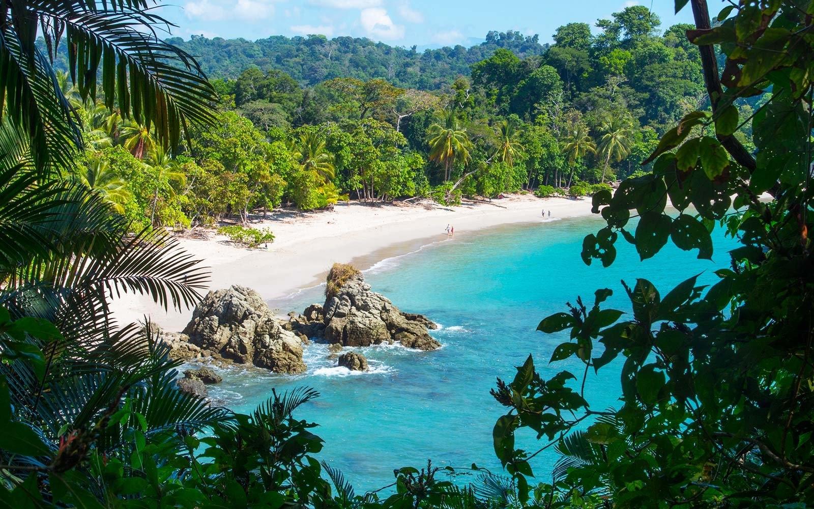 Республика Коста-Рика находится в Центральной Америке