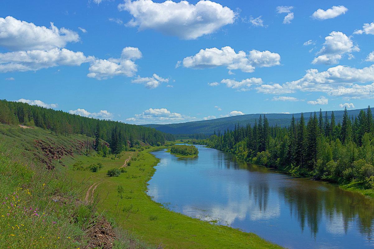 Протяженность реки Лена составляет 4400 километров