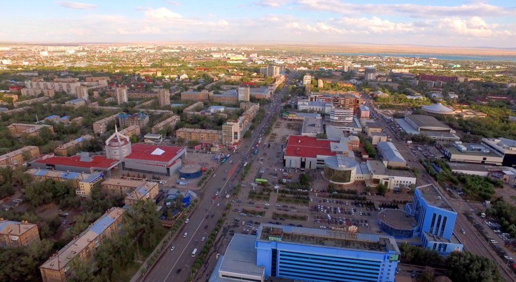 Вид сверху на город Караганда