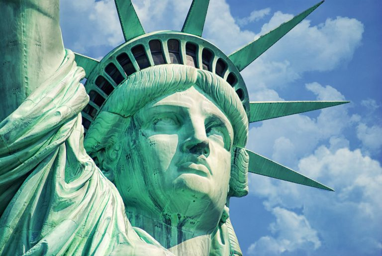 Где находится Статуя Свободы - в каком городе? в какой стране?