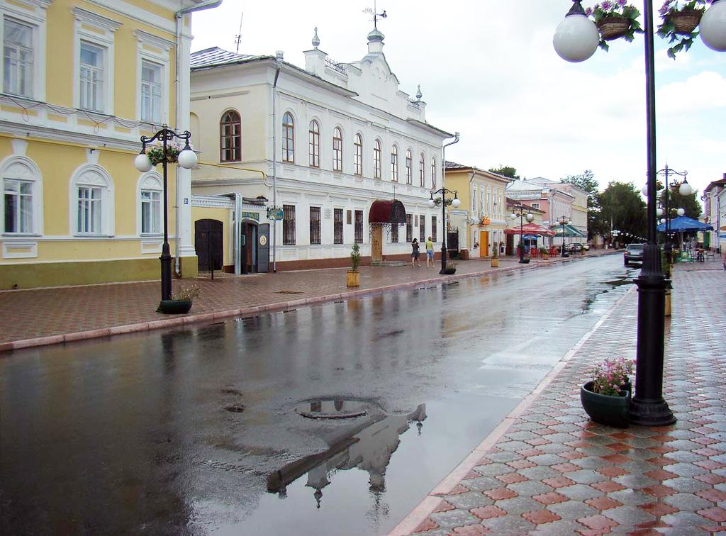 Где находится Елабуга на карте России? В какой области? Сколько км от Москвы?