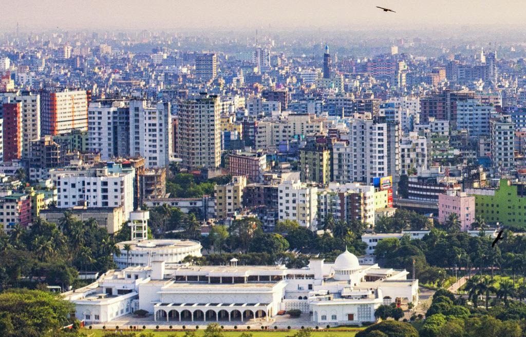 Где находится Бангладеш на политической карте? Какая национальность? Город Бангладеш в какой стране?