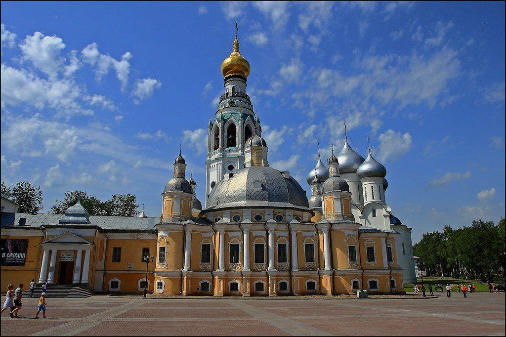 Где находится Вологда на карте России от Москвы?