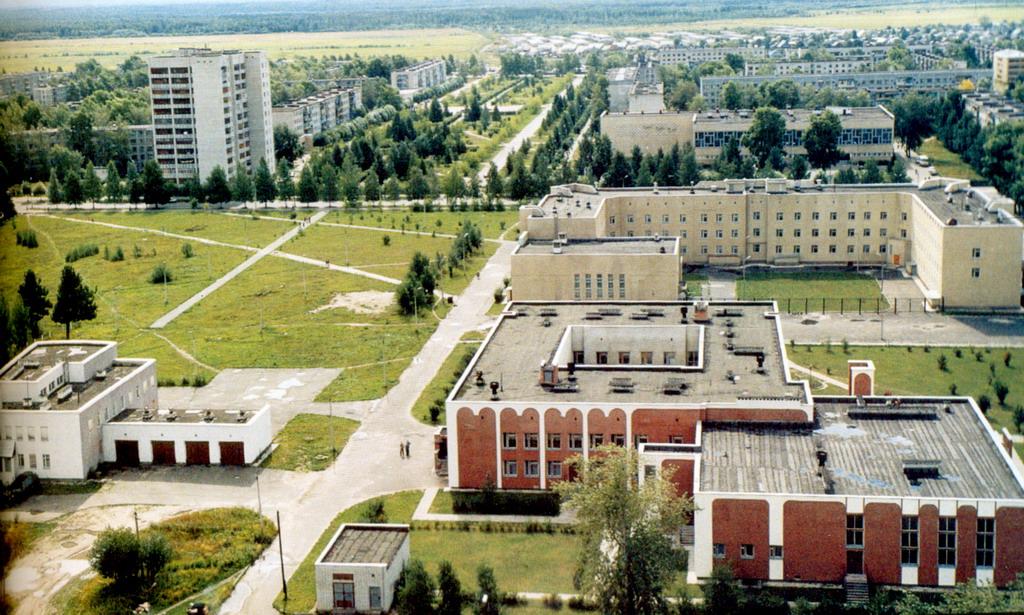 Где находится город Коряжма на карте России?